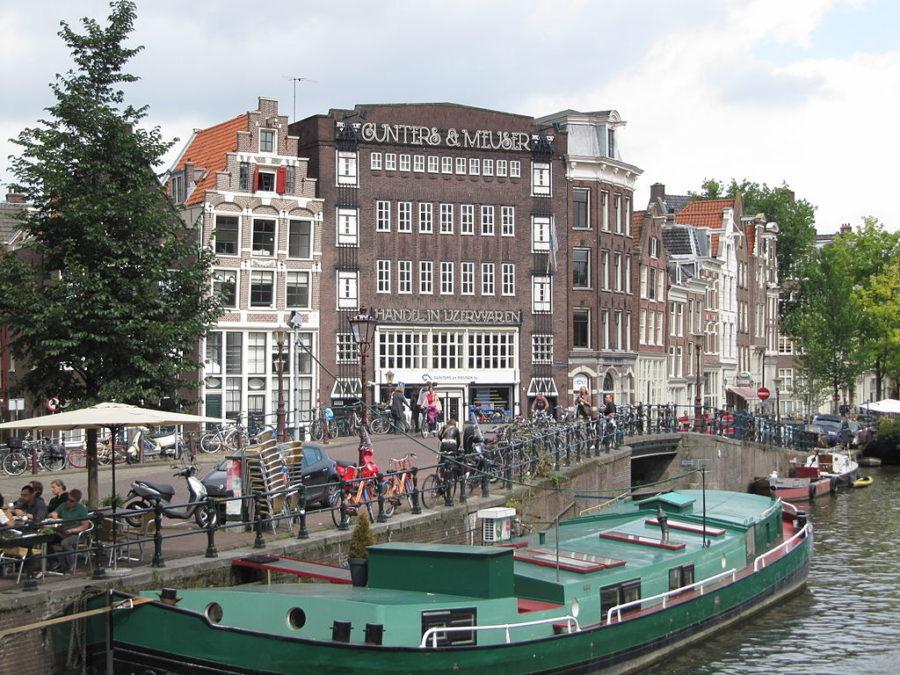 Gunters & Meuser Hardware, a true local institution in Amsterdam's Jordaan district